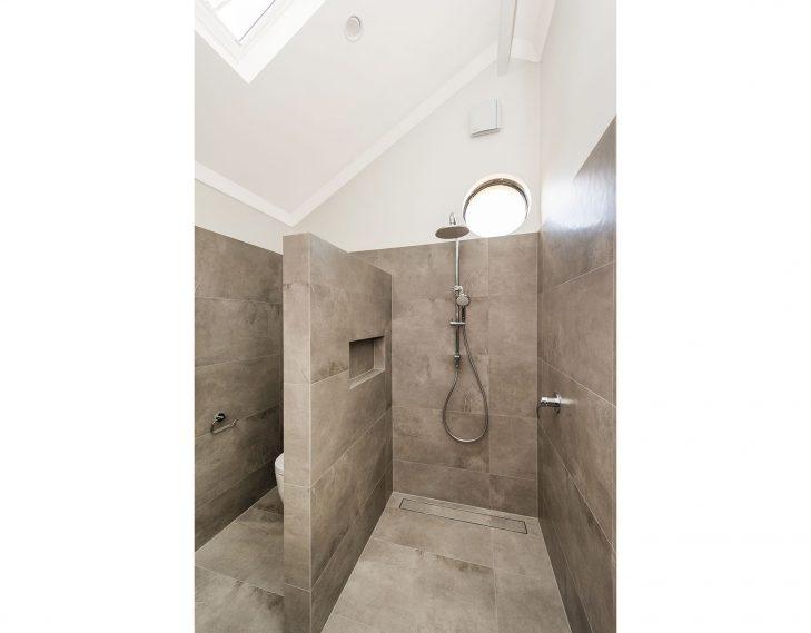 Barlee street shower