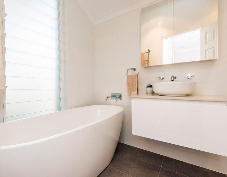 Basin bath side