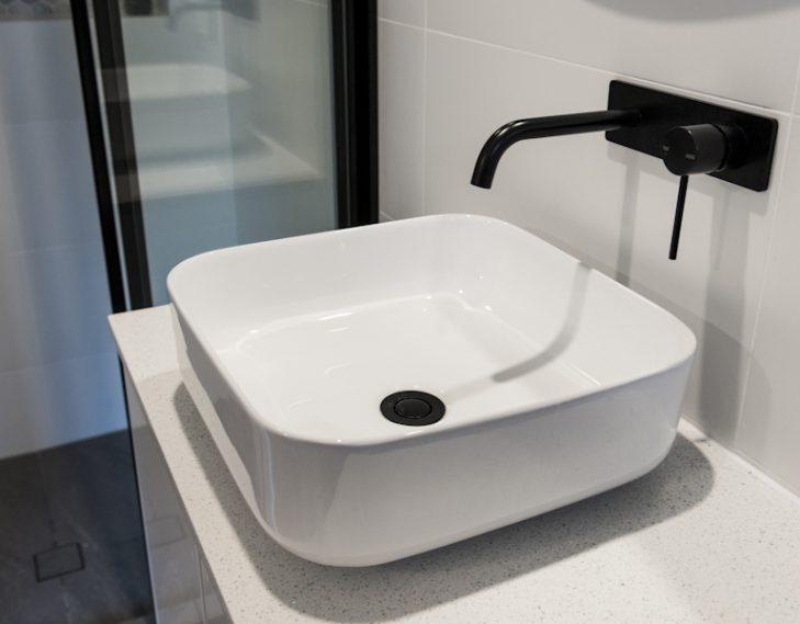 en suite sink tap