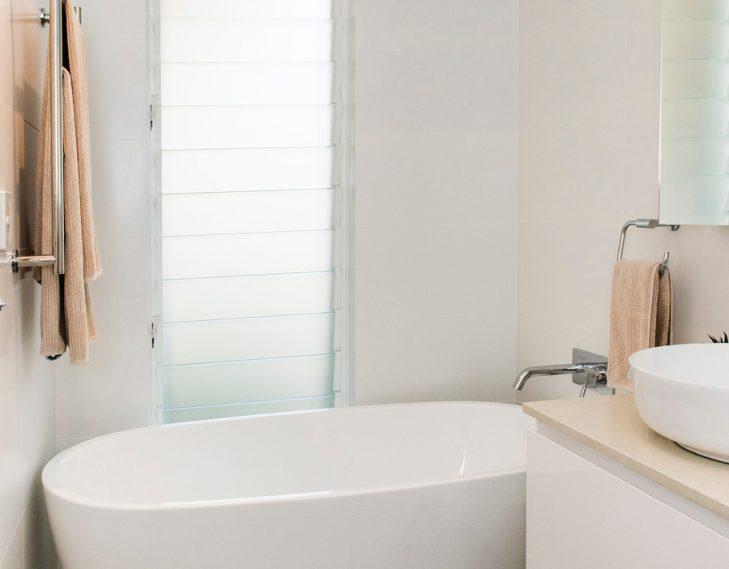 Kado bath freestanding