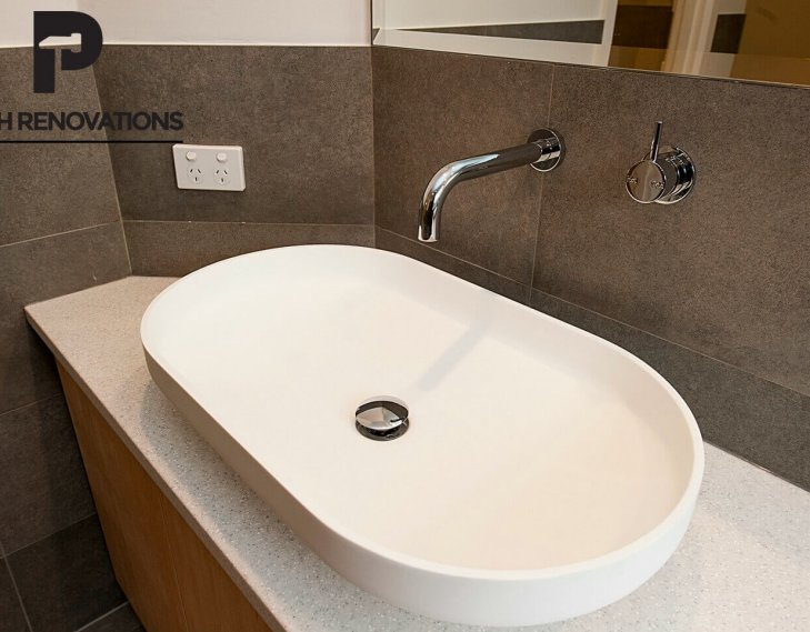 Oval shaped sink