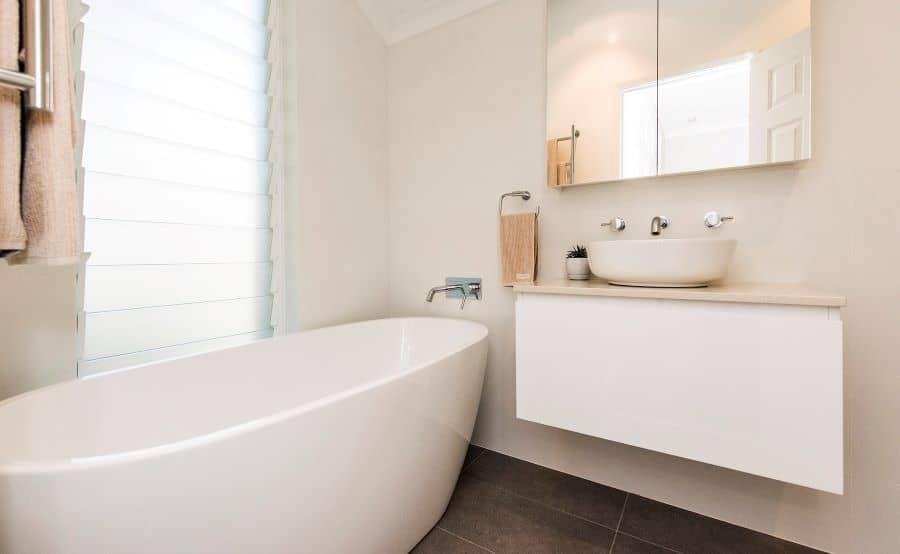 Bathroom with bathtub and sink.